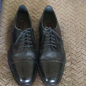 Florsheim cognac cap toe 11d dress shoes